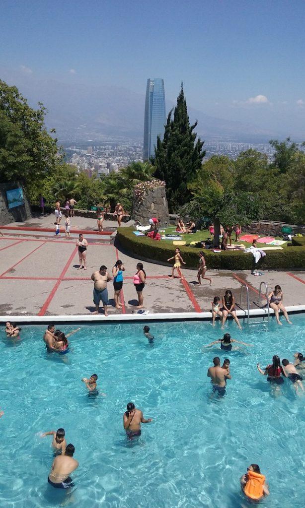 Travel blog cody goul gringo perdido for Piscina chile